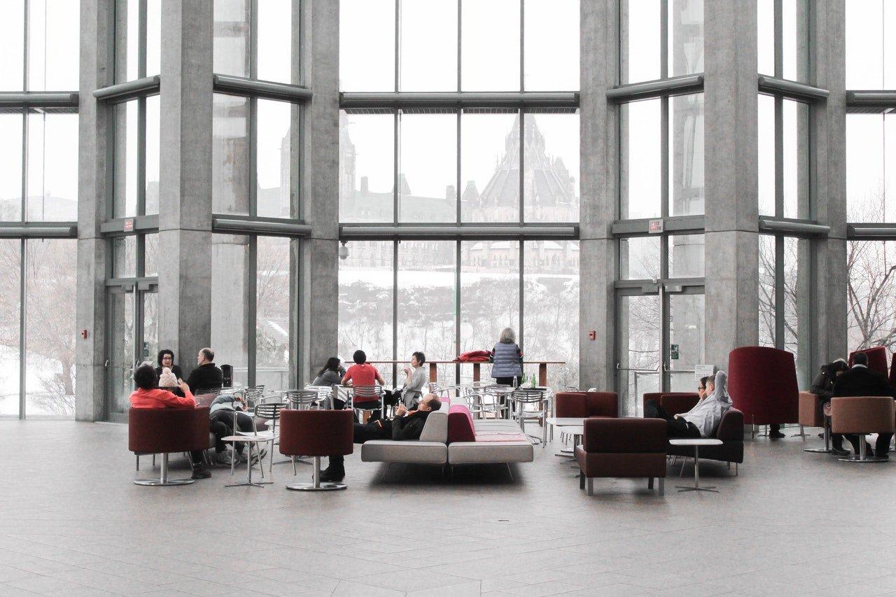 agencer les mobiliers de l'espace d'accueil